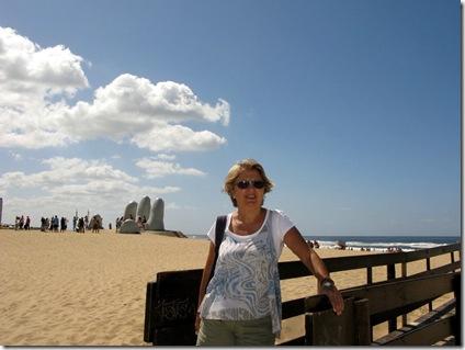20130311 16'36 04 La mano en Punta del Este (3)