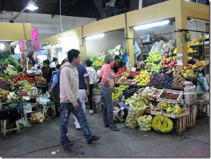 20130509 17'09 06 Mercado de abastos