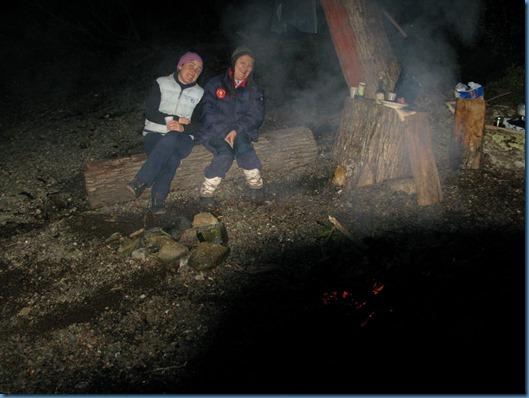 20140406 03'45 03 Noche en la hoguera y asadito