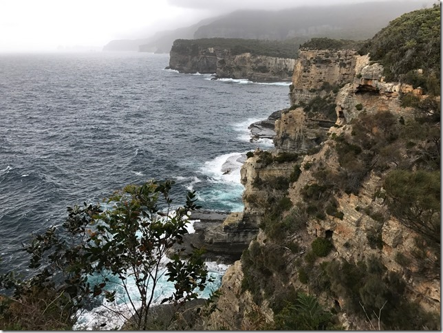 27 Costa Tasmania